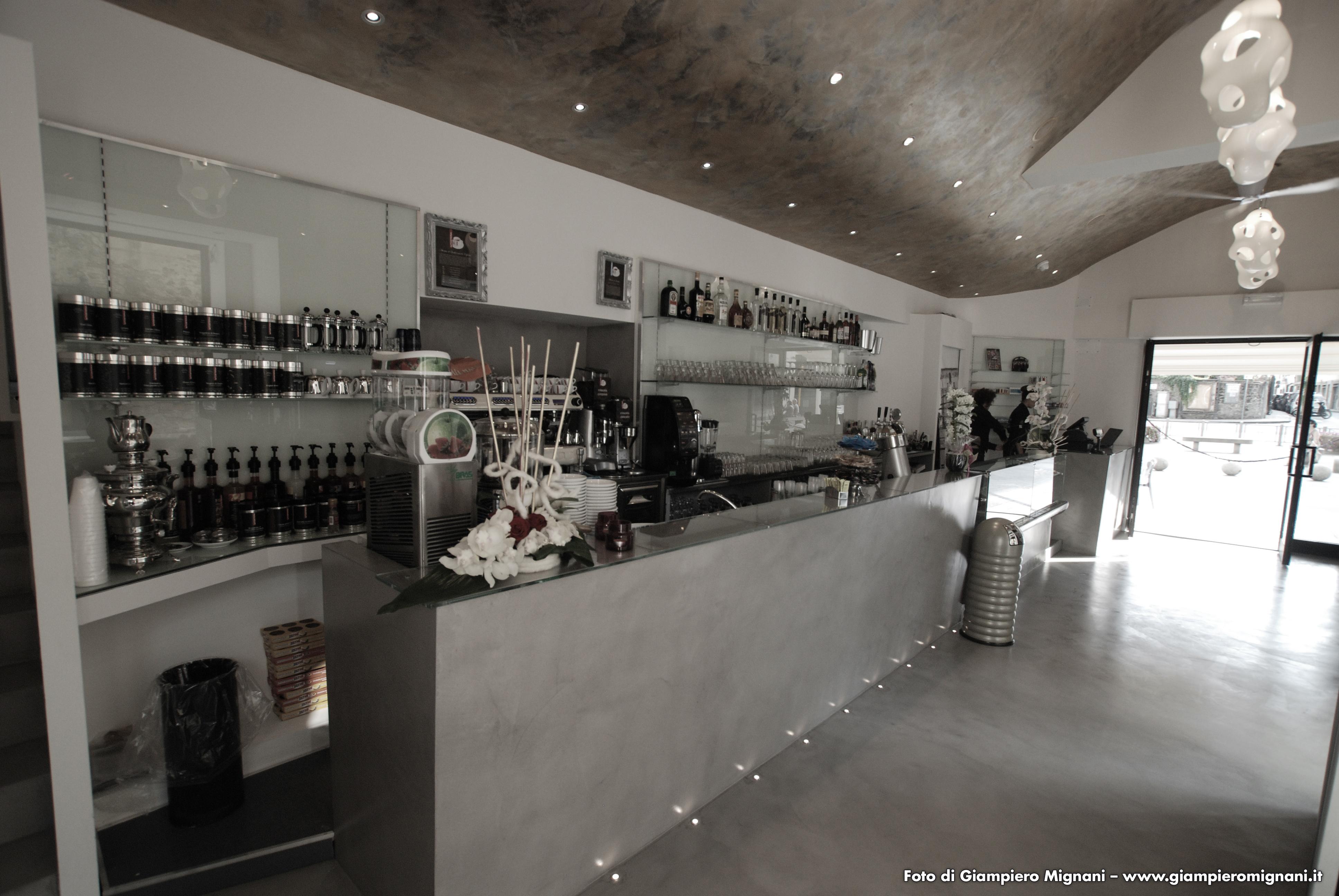 Controsoffitti in cartongesso salone moderno for Cartongesso salone moderno